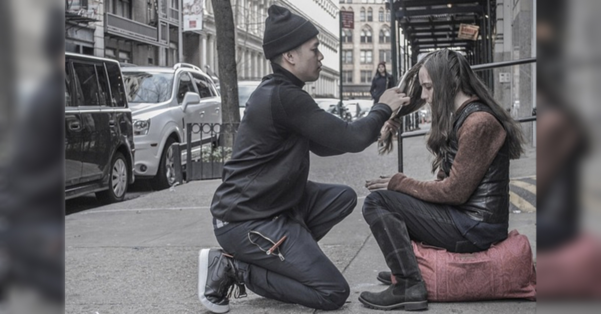 He Spends His Sundays Giving Free Haircuts To The Homeless In Nyc